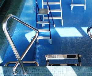 Поручни для бассейна