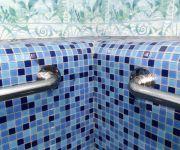Поручень пристенный из нержавеющей стали  для бассейна