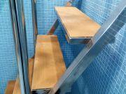 Элемент лестницы из нержавеющей стали  по индивидуальному заказу.